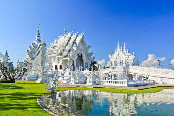 Scegli l'offerta volo più economica e parti alla scoperta del tempio bianco in #Thailandia www.volagratis.com/offerte/voli/bangkok