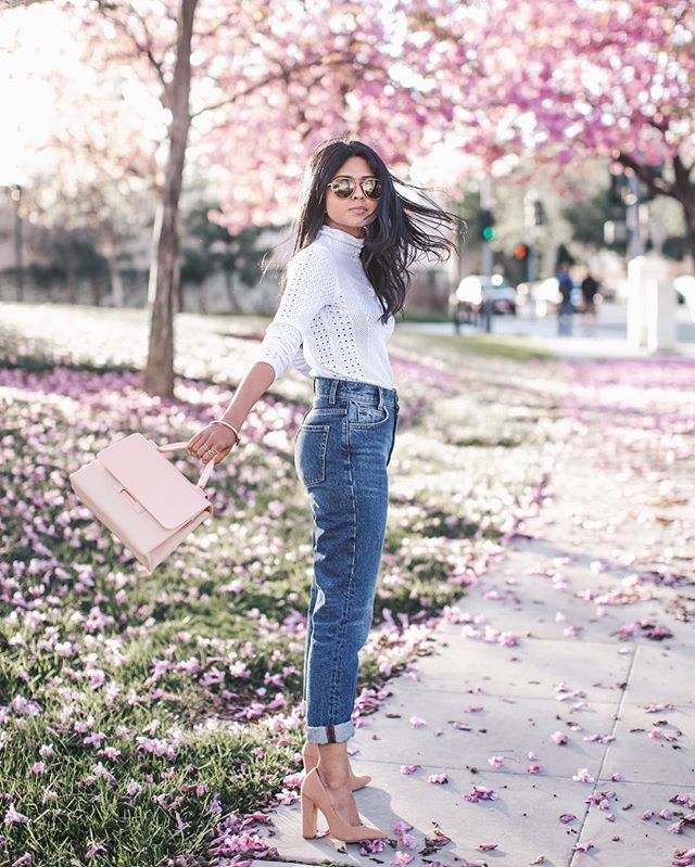 Pin for Later: 33 Outfits Every Petite Woman Should Try A Structured Shirt, Boyfriend Jeans, and Block Heels