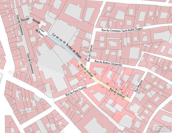 Plan cadastre rue du Jardinet, tracé d'après le plan cadastral Vasserot 1828. En hachuré, l'actuelle rue du Jardinet ; en bleu, l'ancienne impasse de la Cour de Rouen ; en rose, les maisons ayant appartenu à la rue du Jardinet (toutes disparues entre 186e et 1891) - Paris 6e