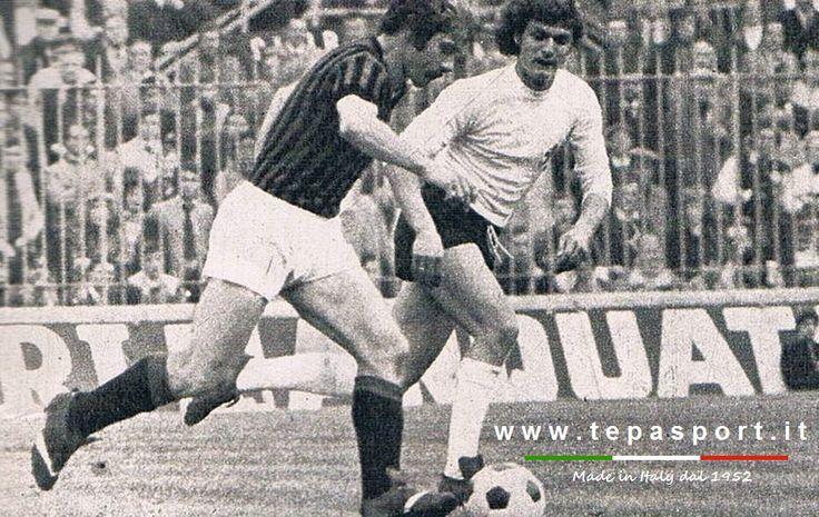 A.C. Milan - ACF Fiorentina 1-1 Romeo Benetti inseguito da Giancarlo Antognoni ... ⚽️ C'ero anch'io ... http://www.casatepa.it/  Made in Italy dal 1952