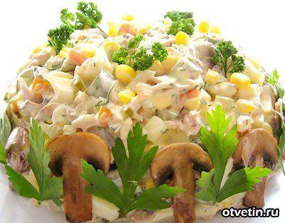 Как приготовить салат с курицей и шампиньонами