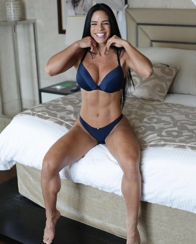 onlyrippedgirls: #17 Michelle Lewin