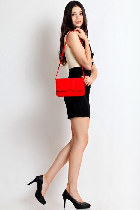 Sweet pea clutch bag #handbag #clutchbag #taspesta #clutchpesta #fauxleather #kulit #suede #fashionable #messengerbag #simple #colors #red