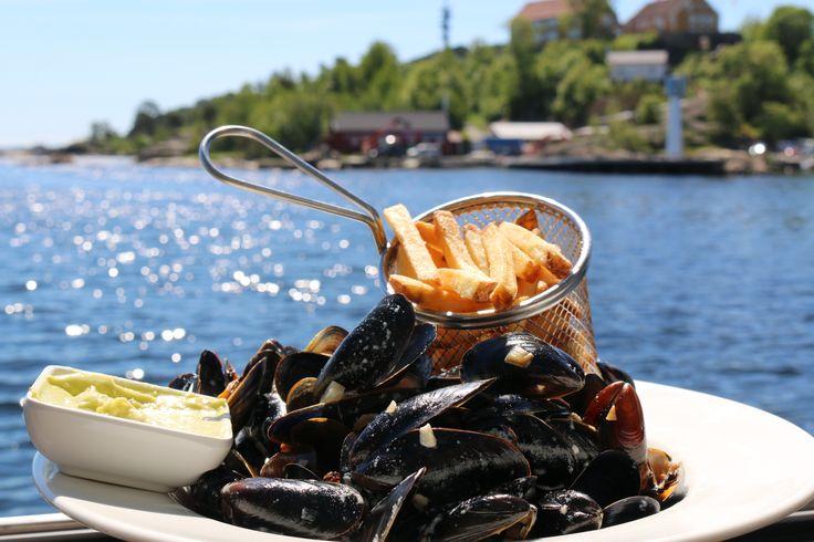 Seashells and fries served at Sjøhuset in Kristiansand.  Photo: Inge Dalen©Visit Sørlandet