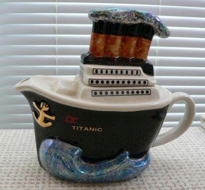titanic teas pot I want this