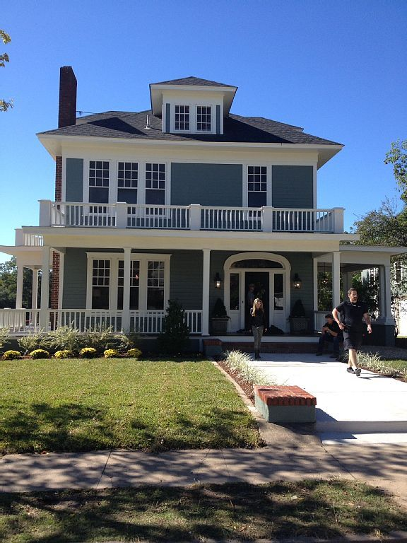 These Homes From Hgtv S Fixer Upper Are Now Available To Al Houses Pinterest Home And House