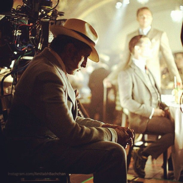The Great Gatsby (2013) | Amitabh Bachchan (Meyer Wolfsheim) on the set. Note the huge 3D camera and in the background Leonardo DiCaprio (Gatsby).