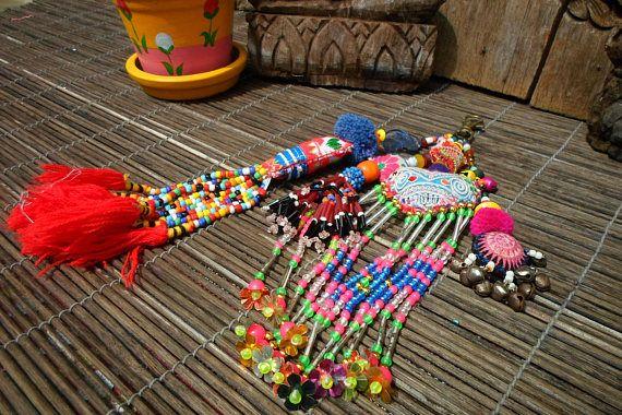 Deux tribus principales chaîne, Textile Vintage clés, porte-clés perle et pompon, coquillage et perle porte-clés, porte-clés Tribal