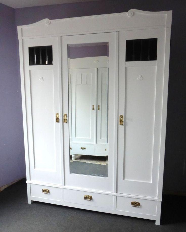 Marvelous Antiker Kleiderschrank in wei mit Spiegel Glas Schubladen Jugendstil M bel