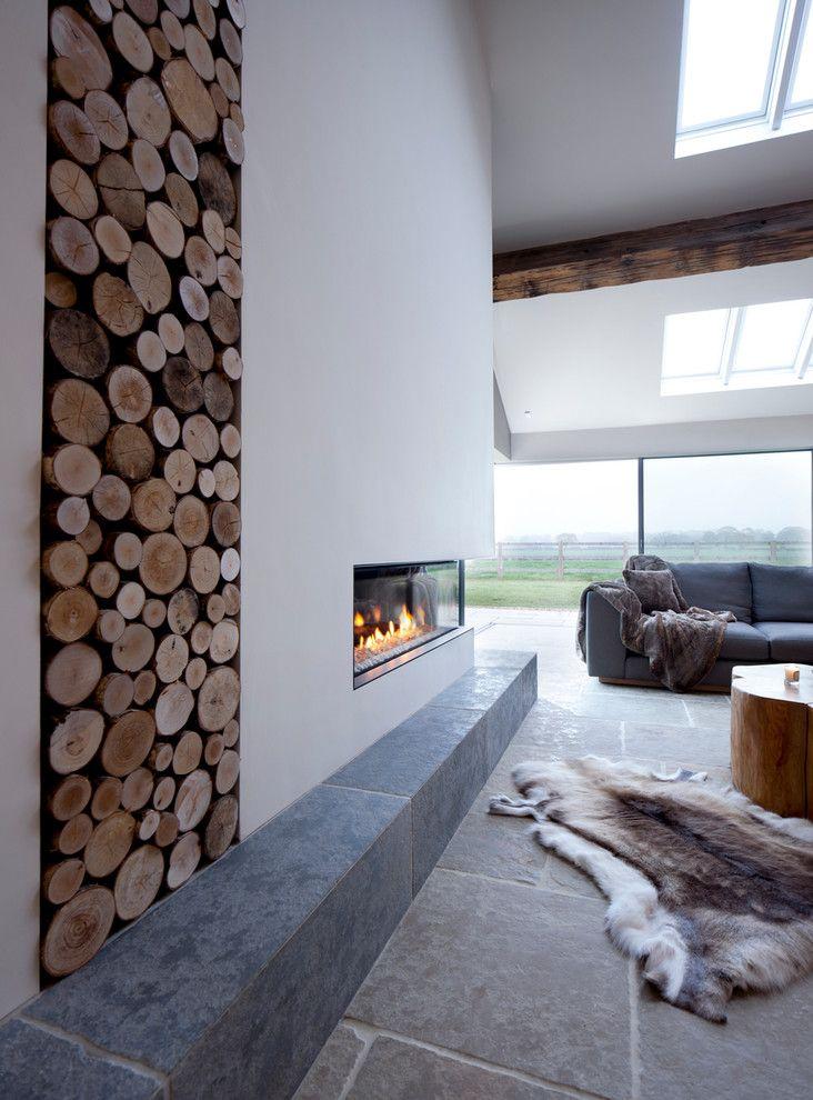 Камин в интерьере: 140 избранных идей для гостиной и тонкости каминного искусства http://happymodern.ru/kamin-v-interere-140-foto-gostinaya-s-kaminom/ Дровница, как элемент декора интерьера гостиной частного дома