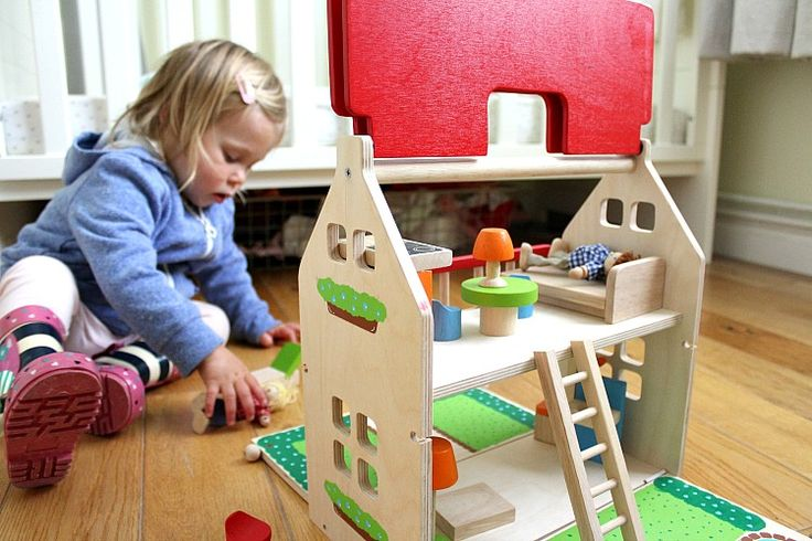 Our first dolls house – featuring The Wooden Toy Shack