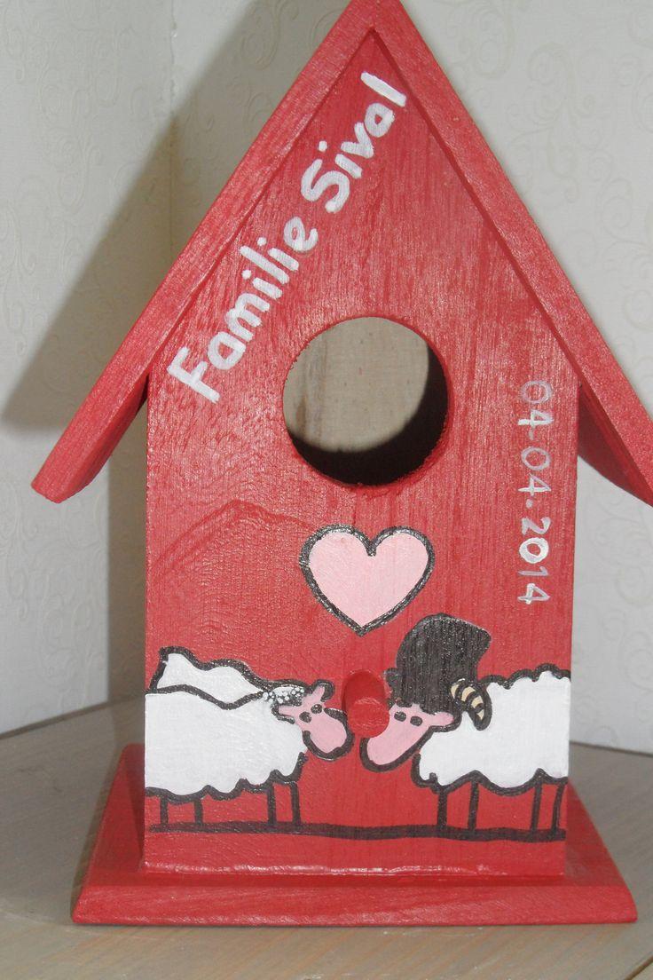 Vogelhuisje waar ik gedeeltes van een trouwkaart op geschilderd heb astrid 39 s deco cadeau for Idee van deco