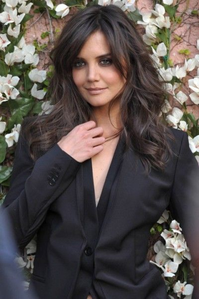 Katie Holmes perfect bangs and layers
