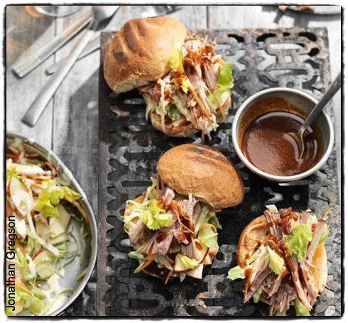 Einfachste überhaupt gezogen Schweinekrusten, plus ein tolles Rezept für Apfel Krautsalat