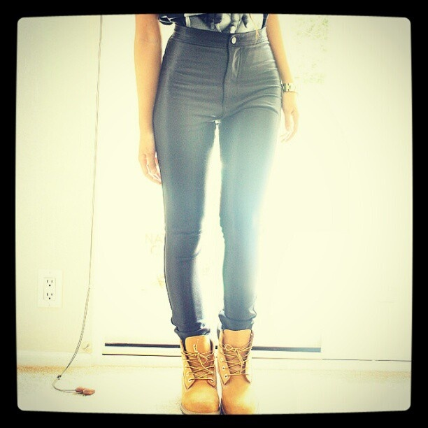 Swag Girl Leg
