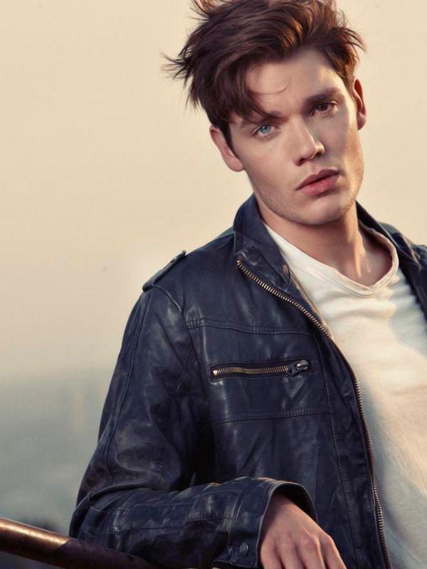 Siapa Sih Model Pria di MV (Video Musik) Taylor Swift? Dominic Sherwood - Style