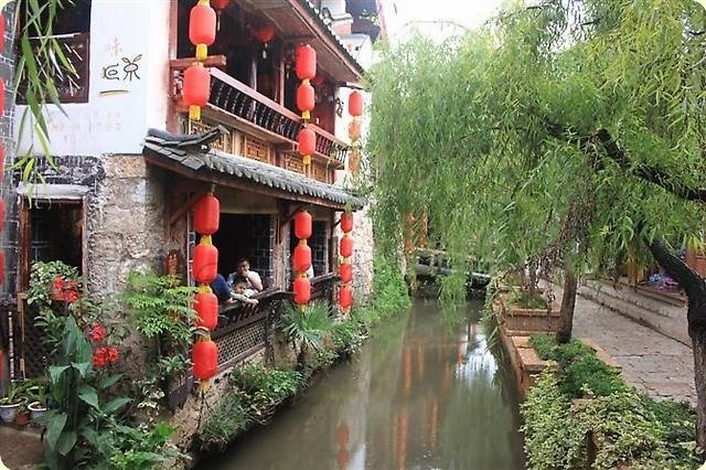 Travel to the mythical Lijiang in China. Ancient culture meets evolution. - Travel China The ancient Lijiang in China. Earthly paradise in China