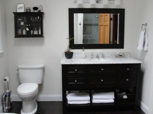 Like The Black Espresso Vanity W White Marble Countertop Against Off White Walls And Dark
