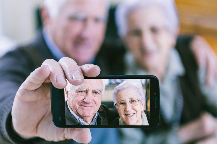 Celular para idoso: como configurar o Android?. Veja mais em efacil.com.br/simplifica