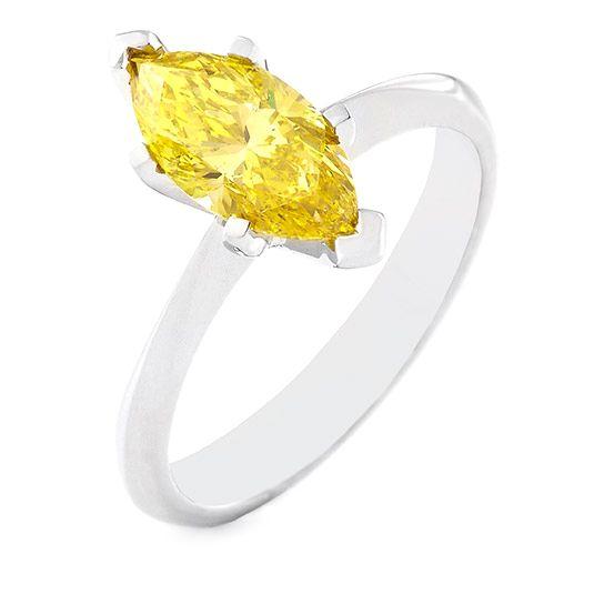18 Carat White Gold yellow Diamond ring