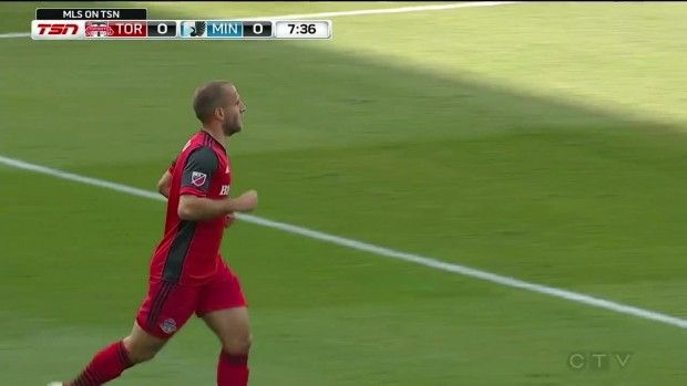 #MLS  CHANCE: Benoit Cheyrou's cross nearly finds Ricketts at the back post