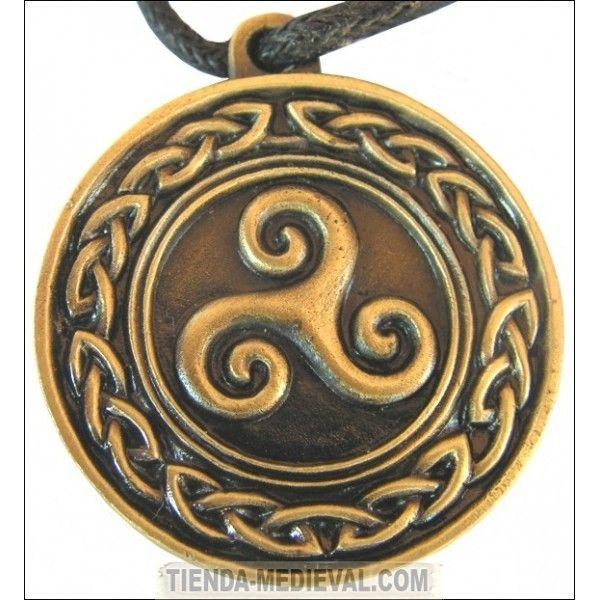 colgante-celta-triskell-con-nudo-celtico-acabado-bronce