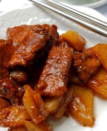 pork and potatoes/ Bulgarian food