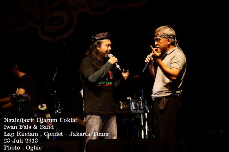 Ngabuburit bersama Iwan Fals and Band, Candra Malik, Sujiwo Tejo. Lapangan Rindam, Condet - Jaktim (23/07/2013)