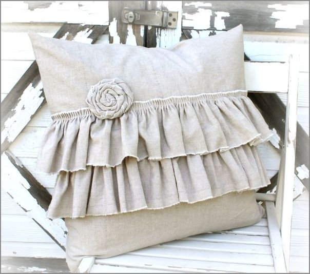 Down/Feather Ruffle Pillow
