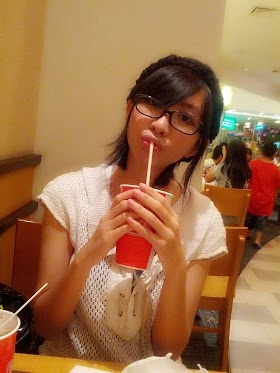 Pengen makan lagii~ tapi takut genduuut XO... minum aja deeh . (・・;)