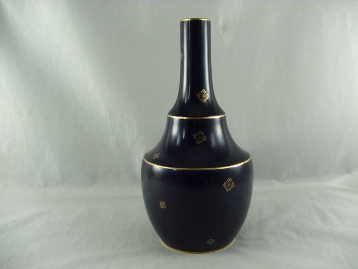 http://www.ebay.de/itm/Sevres-Vase-Jugendstil-kobaltblau-mit-Goldmuster-/231492041222?pt=LH_DefaultDomain_77