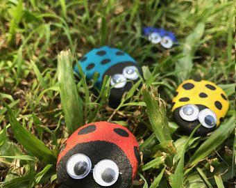 Lieveheersbeestje Hand geschilderd lieveheersbeestje rotsen, rotsen, Hand geschilderde rotsen, papier gewicht, Fairy Tuinaccessoires, Fairy tuin lieveheersbeestjes