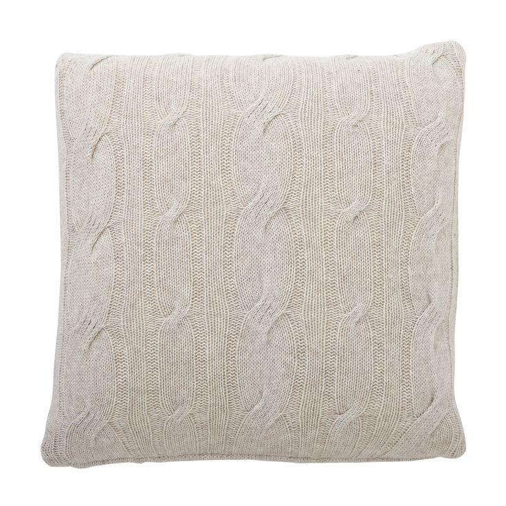 Heerlijk zacht dit lamswollen kussen van Hubsch. Te koop bij Toef Wonen <3 http://www.toefwonen.nl/c-2216897/kussens-plaids/
