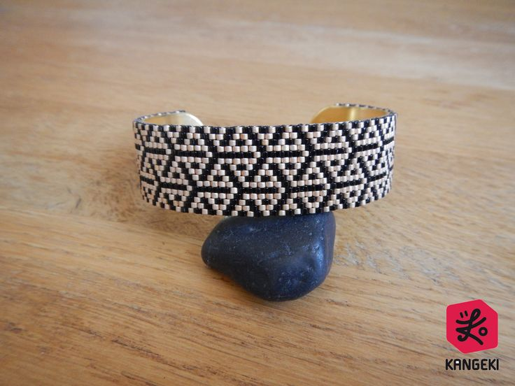 Bracelet manchette en perles Miyuki noir et bronze : Bracelet par kangeki