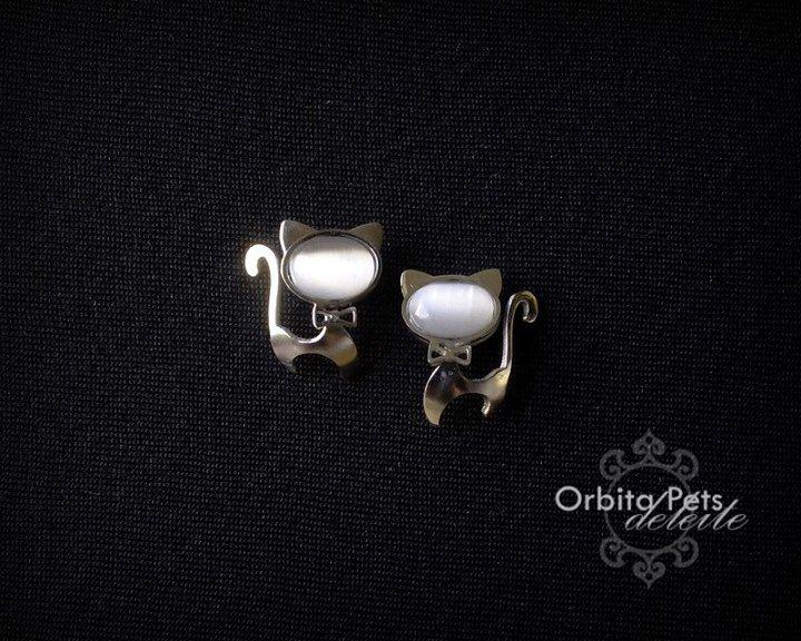 Aros Gato $9.000.-  Obtenlo en www.facebook.com/...  #collar #hueso #Chile #perro #gato #joya #mascotas #venta #CatLover #DogLover