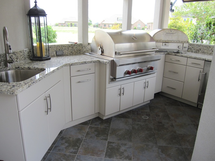 white cabinets kitchen 32 best images about outdoor kitchen on 28530