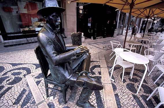 Lisbon the memories of the cafes and streets!  Pessoa e o Chiado! Saudades...