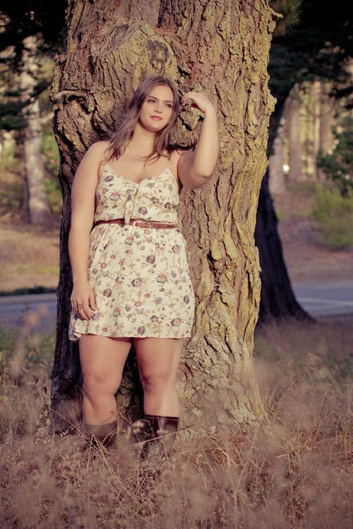 Online stores offer not just regular plus size clothes, but also cheap plus size dresses for special occasions.