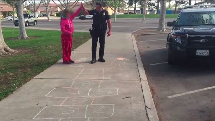 A touching video showing a Huntington Beach police officer playing hopscotch with a homeless girl while another policeman makes housing arrangements for her mother has gone viral. The officers were…