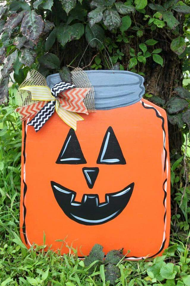 Mason jar pumpkin door hanger & 250 best Mason Jar Door Hangers images on Pinterest | Mason jars ... pezcame.com