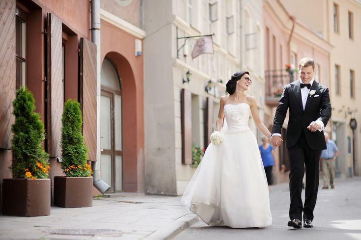 花嫁「も」必見!結婚式での新郎のタキシードを選ぶ際に知っておきたい6つのこと