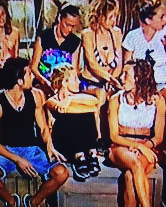 Isola dei Famosi 2017 #isola 🌴 Nathalie Caldonazzo indossa #Stokton #Shoes #...