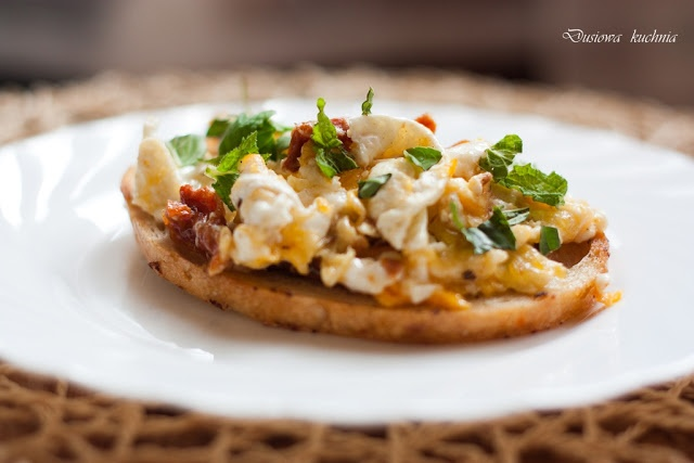 scrambled eggs with sun-dried tomatoes | Dusiowa kitchen - Food and D ...