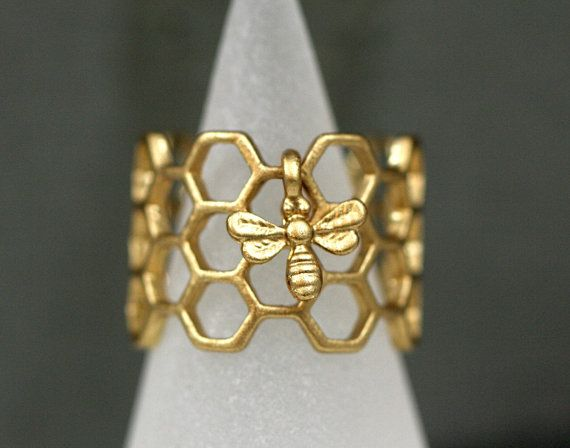 Honeycomb Ring with tiny bee. Antique golden enameled. Adjustable hexagon ring. Modern nature jewelry for her. Gift under 15.