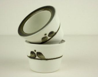 Adorable Scandinavian egg cup from the Nordica line by Rörstrand Sweden by Carl Harry Stålhane