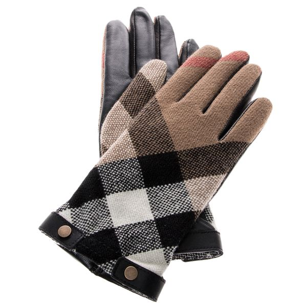 Keep your hands warm in style this season with these stunning gloves by Burberry!