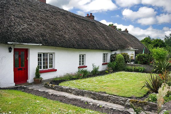 Thatch Roof Cottage In Traditional Village Of Adare Ireland Art Print By Pierre Leclerc Photography In 2020 Ireland Cottage Beautiful Roofs Irish Cottage
