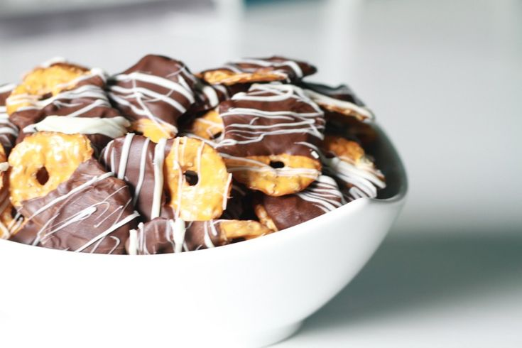 Chocolate Covered Peanut Butter Pretzel Chips