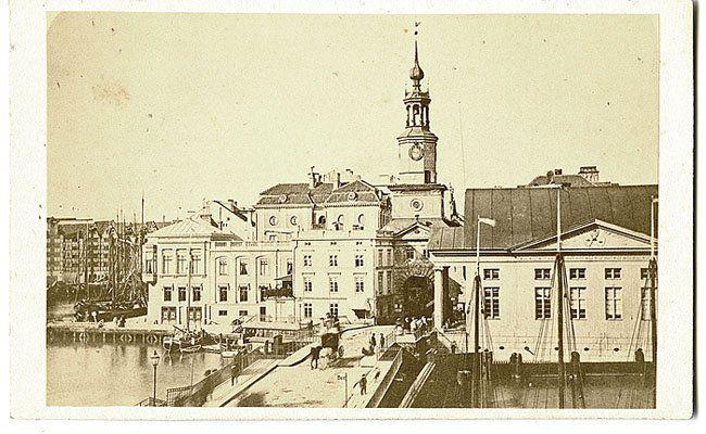 Кёнигсберг. Вид на Кнайпхоф, Зелёные ворота. Фото ок.1868. /\/\/\/\/\/\/\/\/\…