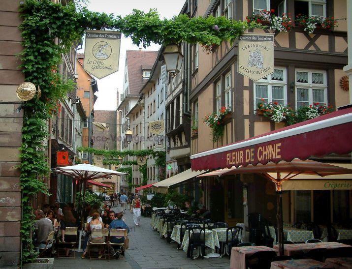 Terrasse Restaurant Strasbourg : Strasbourg Quartier des Tonneliers ruelle avec maisons